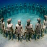 Enfants en ronde sous l'eau - Crédit Photo: Gamaniak.com
