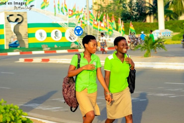 jeunes élèves togo